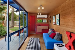 low-impact-container-studio-in-texas-13